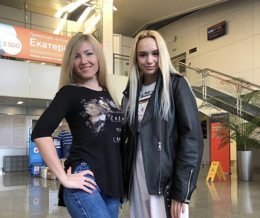Две звезды: Диана Шурыгина встретилась с Валей Никоновой в Ульяновске