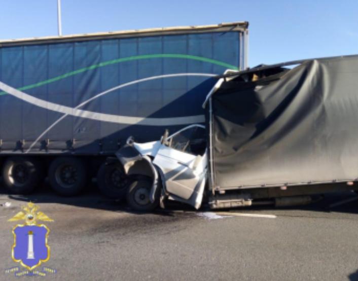 Водитель погиб на месте: подробности ДТП на Президентском мосту