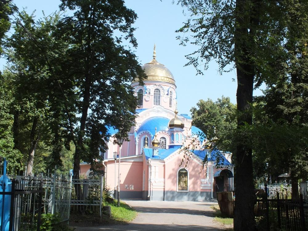 Ульяновцев зовут прибраться на старейшем историческом кладбище города