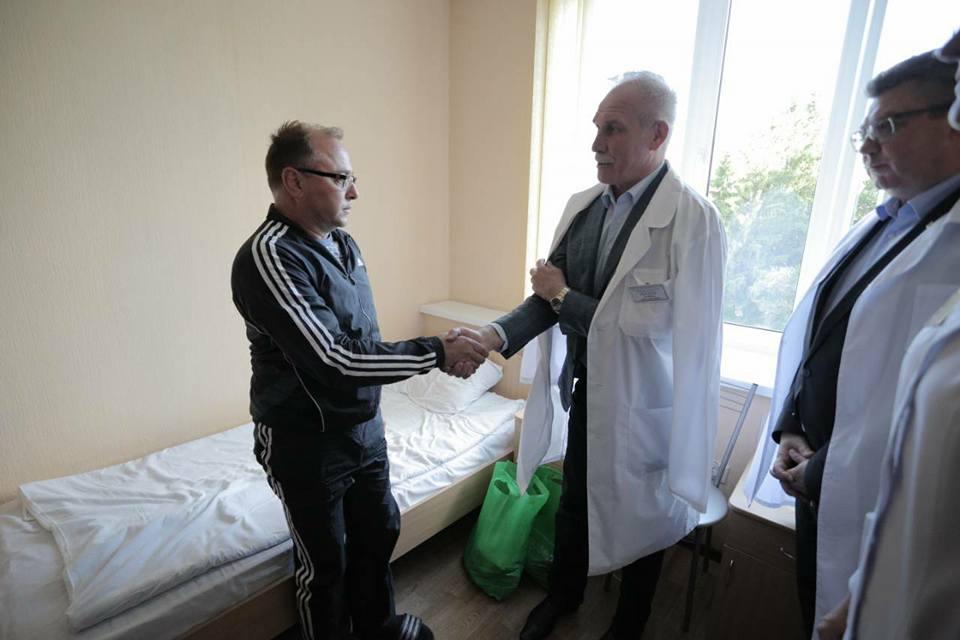 Морозов навестил в больнице Егорова, пострадавшего во время прорыва в администрацию КПРФ