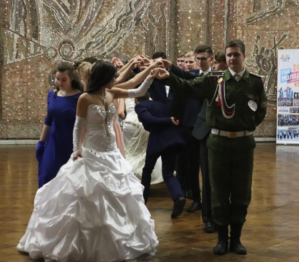 В Заволжье выбрали короля и королеву «Зимней сказки»