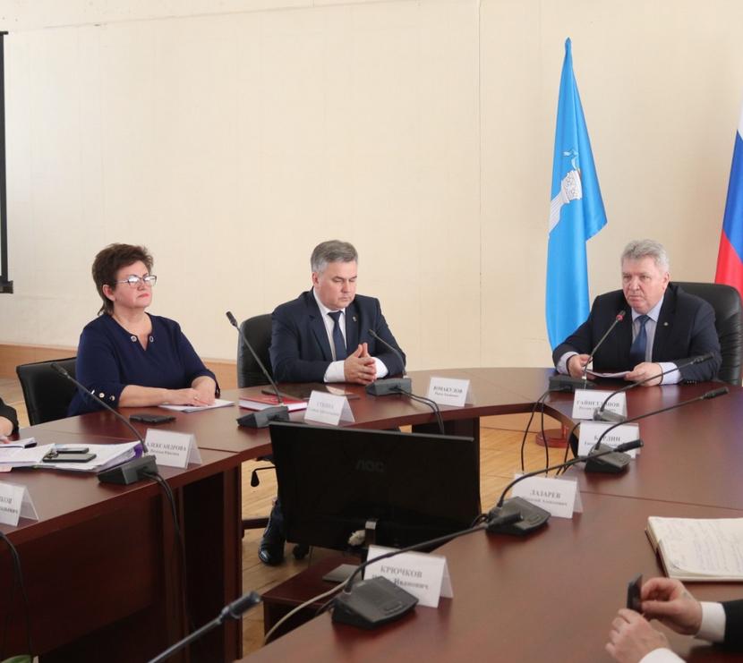 Панчин официально представил нового главу Заволжья Галину Уткину