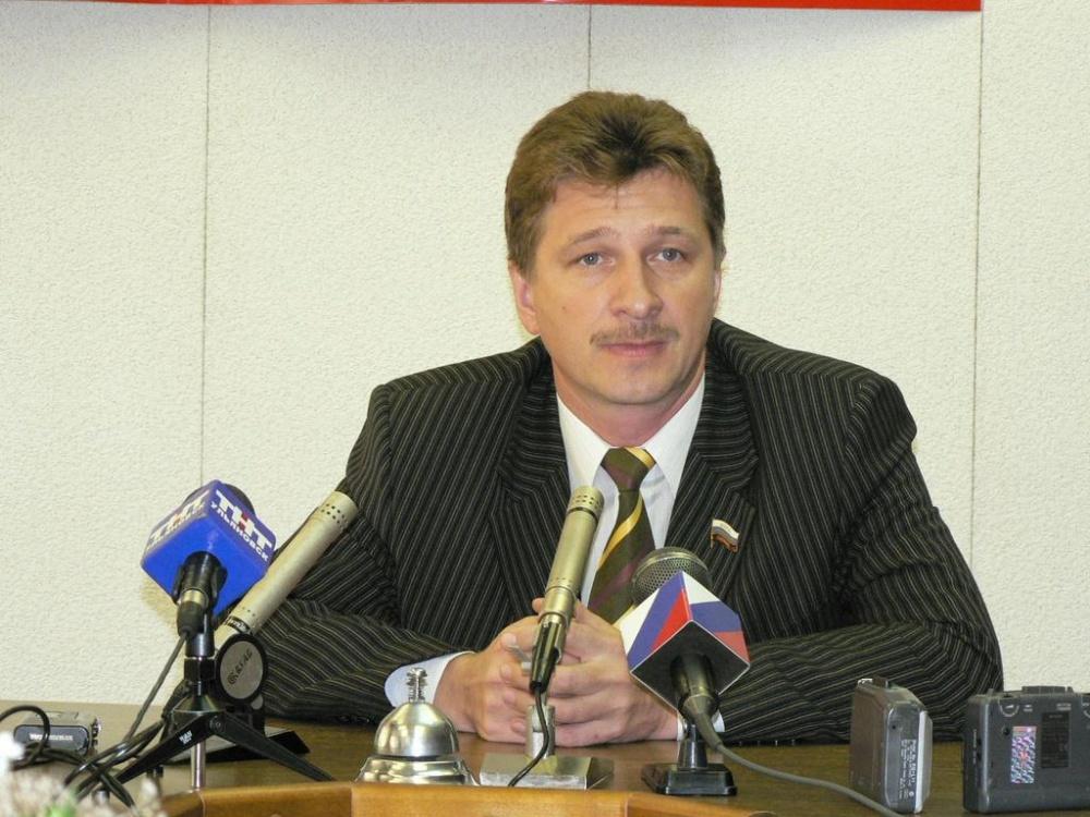 Селиверстову спускают газ: заправки банкротного предприятия экс-депутата продают по 75 млн