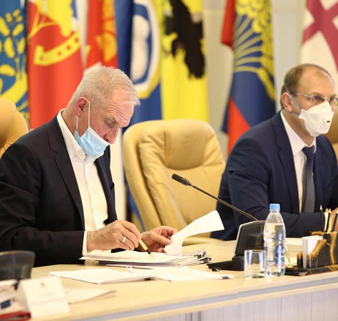 В Ульяновской области 15 тысяч безработных. Морозов подписал  план восстановления экономики